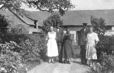 Signe, Husarn, Anna, Edward och Edith på 20-talet eller tidigt 30-tal.