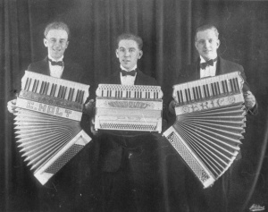 Ejnar Holt, Ragnar Sundquist, Eric Olson